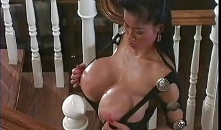 Cutie Curvy jouant absoluporn africain