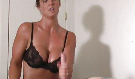 Mamie film porno africain video amateur jouant seins et clitoris