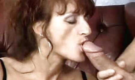 Hot Cougar Deauxma Dildo baise sa chatte video film porno africain et éjacule!