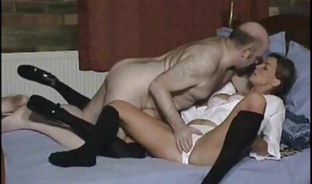 Yukine Fujishiro en chaussettes roses se fait vibrer sex xx africain