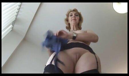 Dame reine créo chatte pornno africaine poilue gorge profonde monstre baveux