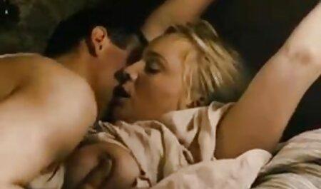 Fêtez la film porno sud africain nouvelle année avec la milf écossaise Toni Lace