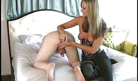 Plantureuse maman Nina Elle danse porno africaine séduit son beau-fils