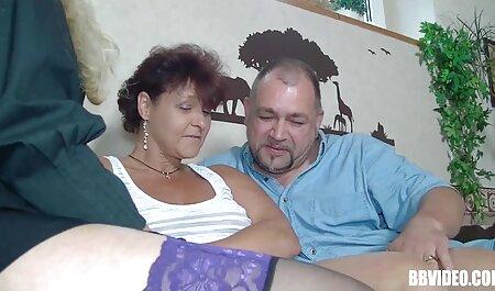 Fille mince baise sur un video film porno africain gros gode noir