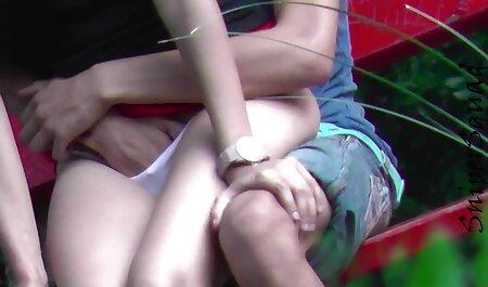 Briana Banks reçoit une leçon de domination video xxx africaine avec Lilly Lane