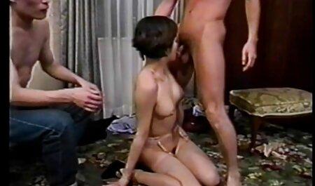 Gros seins adolescent montre seins sur cam film porno africain 2017