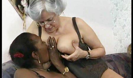 femme blanche bénéficiant sex xx africain d'un amant noir pendant que son mari filme