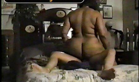 Deux filles ont besoin film video porno africaine d'un mécanicien