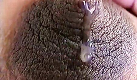 Slim Fit film porno africaine 2017 Milf se masturbe avec un jouet tout en le secouant