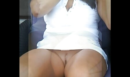Sheena Ryder filme porno africain se penche et le prend
