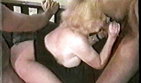 Euro blonde aux gros seins suce la video porno afriken BBC avant le sexe anal