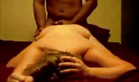 Hollie Mack paie voir film porno africain un loyer avec sa chatte